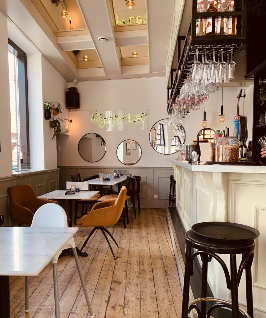 Restaurant Lef inside